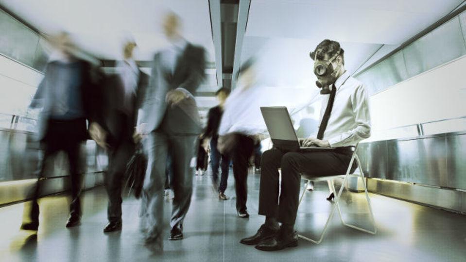 有害な職場環境から心と体を守る方法