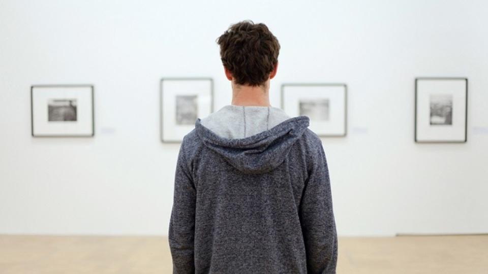 美術館で「楽しいふり」をするのをやめてアートを本当に楽しむ方法