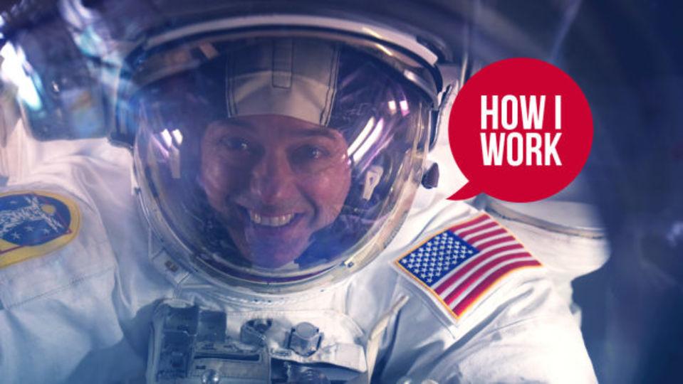 軌道からの視点を:世界の問題に立ち向かう宇宙飛行士、ロン・ギャラン大佐の仕事術