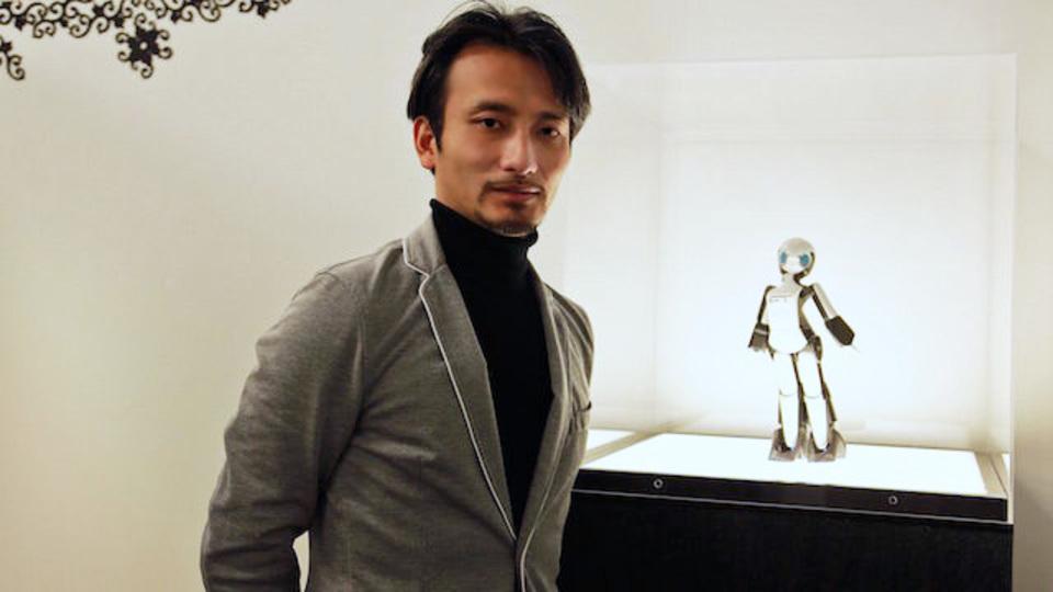 人のカタチをした小さなロボットが、情報端末のパラダイムを大きく変える/ロボットクリエイター高橋智隆さん