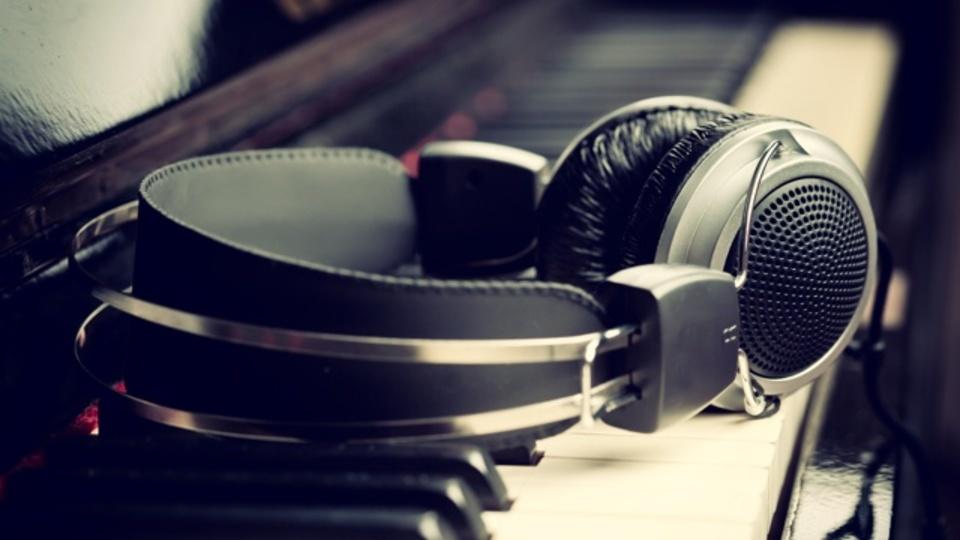 ストレス、痛み、免疫力の向上にも。研究でわかった「音楽」の意外な健康効果