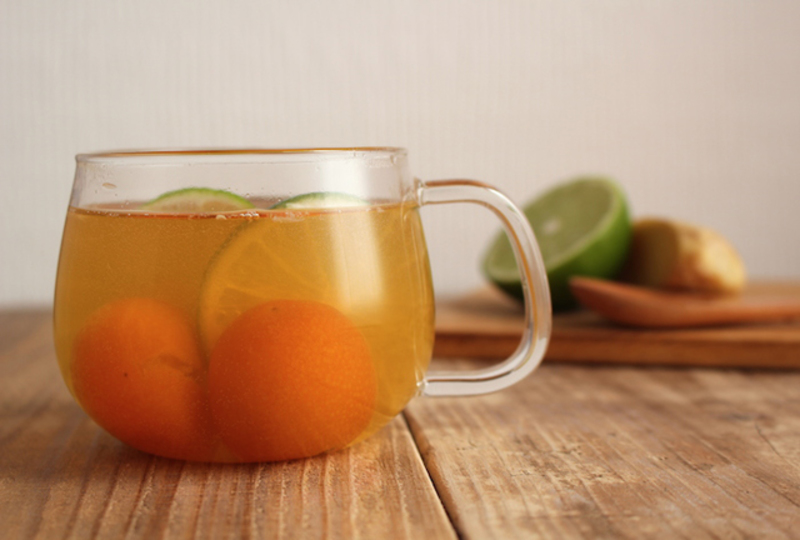 じんわり温まる金柑とライムのホットドリンクで風邪予防を