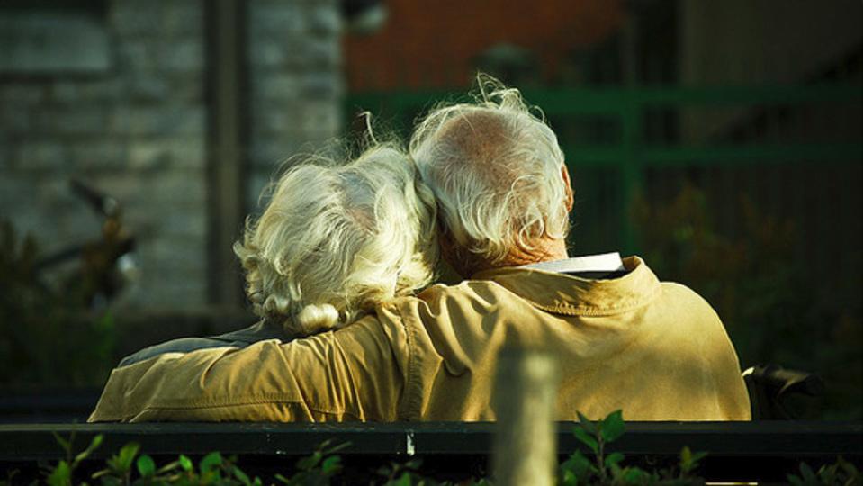 夫婦の愛情を長持ちさせるたった3つのささやかな行動