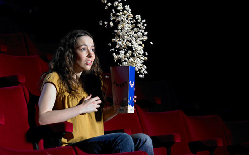 今いる場所の近くで上映中の映画を検索・予約できるアプリ『映画ランド』