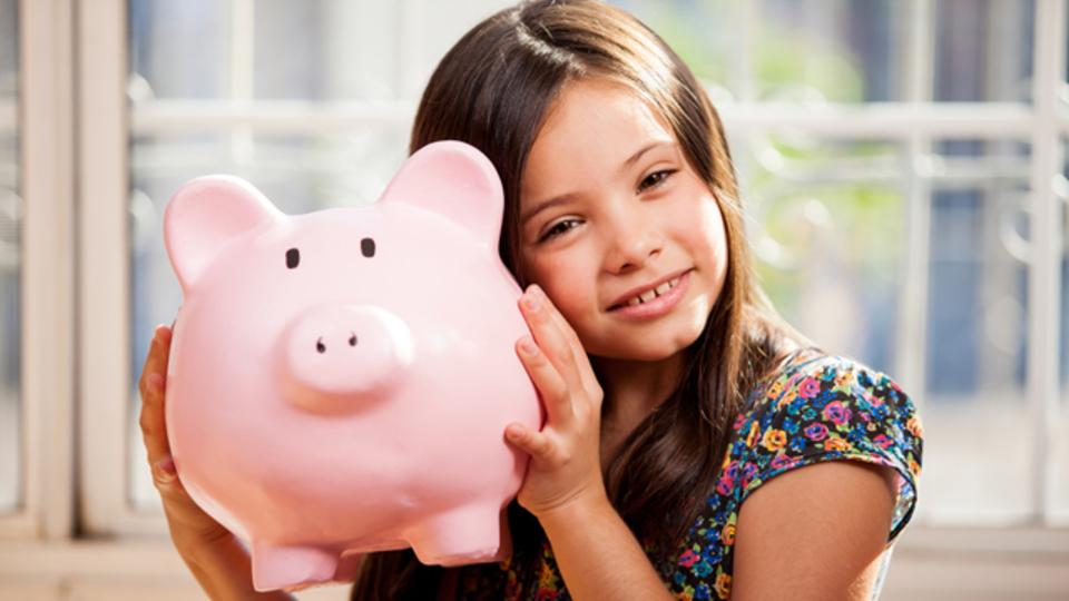 欲しいものと必要なものとを分けたお金の管理の仕方を子どもに教える