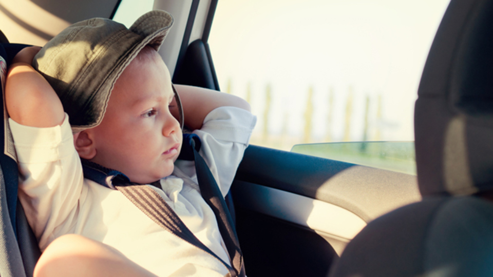子どもをぐずらせずに、きれいなマイカーを保つ8つのアイデア