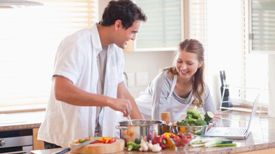 料理でストレスを解消して外食を減らそう