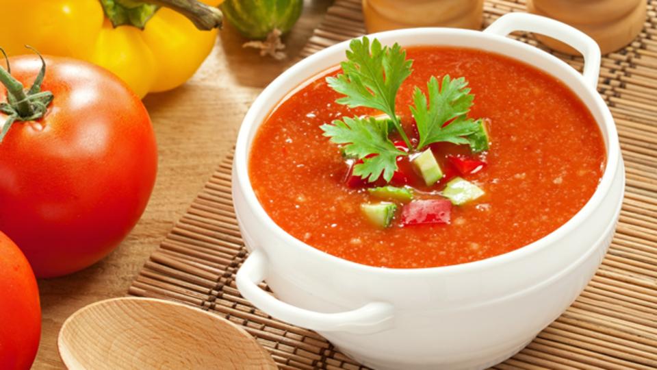 野菜を蒸すとスープがなめらかでクリーミーな仕上がりに