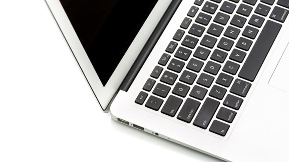 クリエイティブな作業を11インチのMacBook Airでまかなえるか?