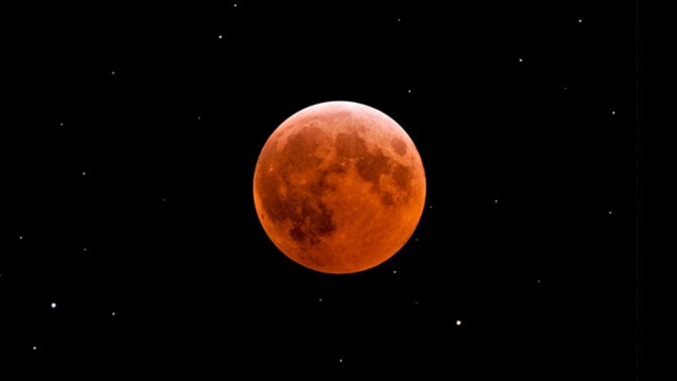 4月4日の皆既月食は21時がピーク