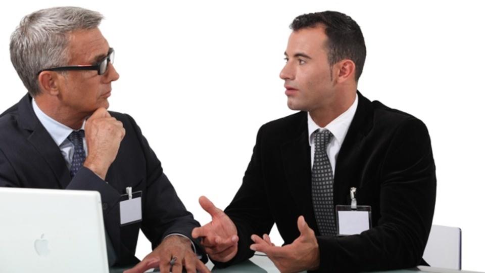 敬意を示しつつ上司と異なる意見を伝える方法