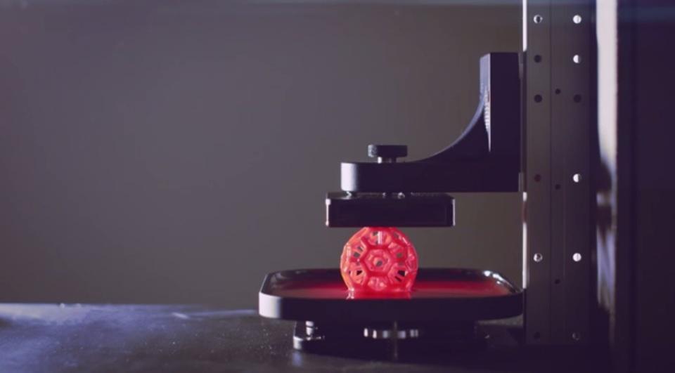 「ターミネーター2」からヒントを得た、液体ベースの新しい3Dプリンター