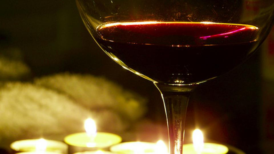 食品アレルギーのある人は要注意! ワインの製造工程に意外な成分がふくまれるケースが明らかに