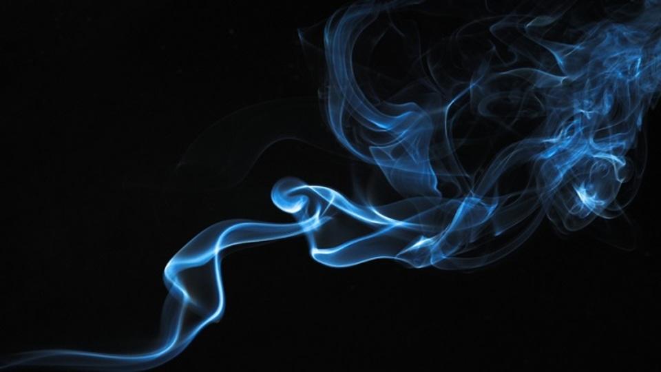 電子タバコの受動喫煙は健康に有害か? アメリカでの議論