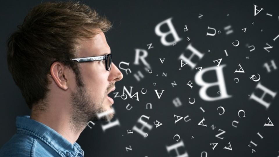 複数の言語をマスターするコツは「別の人格」を演じること