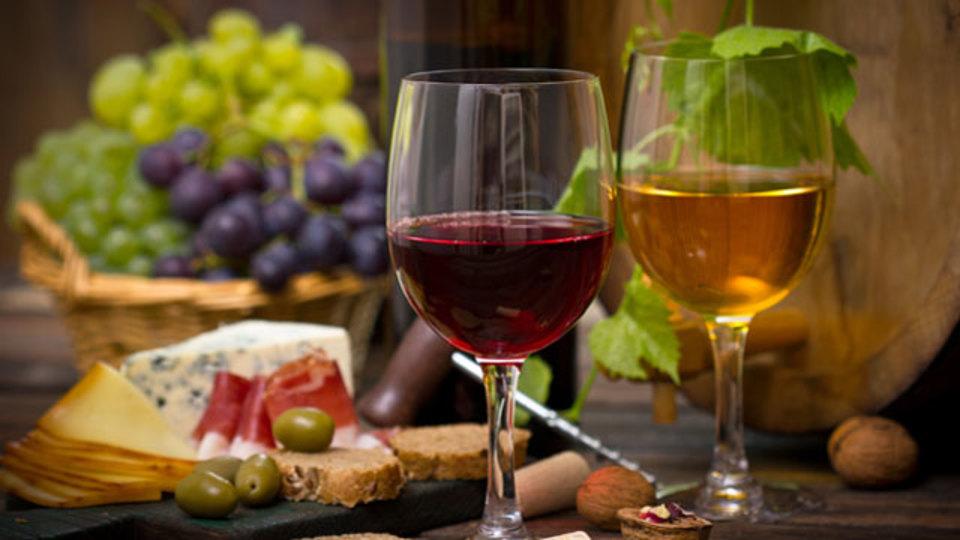 高いワインと安いワイン、どちらを調理に使うべき?