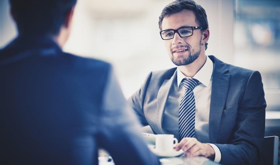 インタビュアーが教える、実生活でも役立つ「聞き上手」になる3つのテクニック