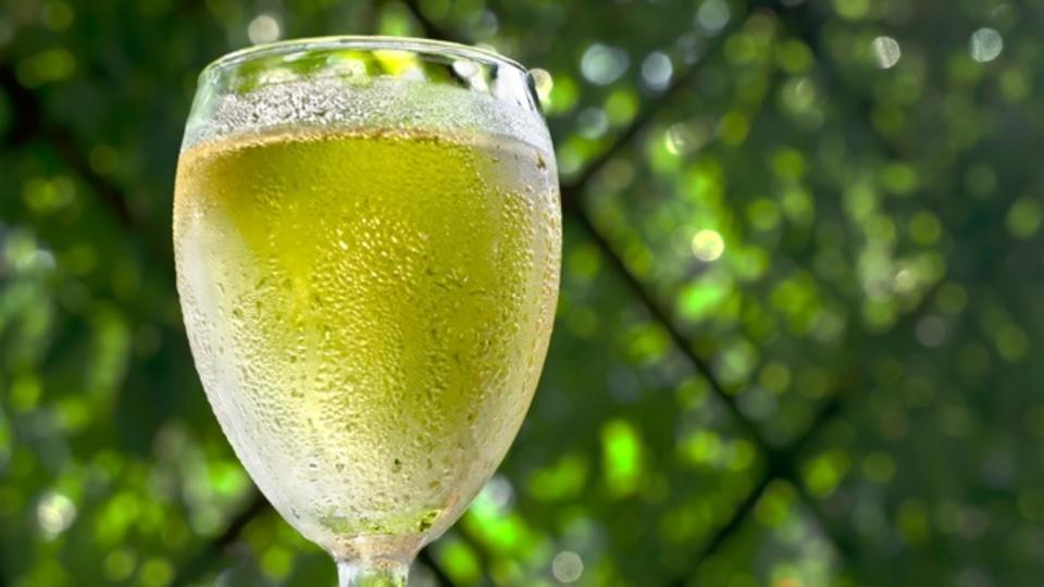 ソムリエが教える自宅で飲みたい美味しい白ワイン(国別代表を紹介!)