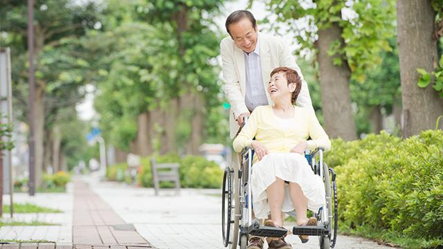 150805fujitsu_wheelchair.jpg