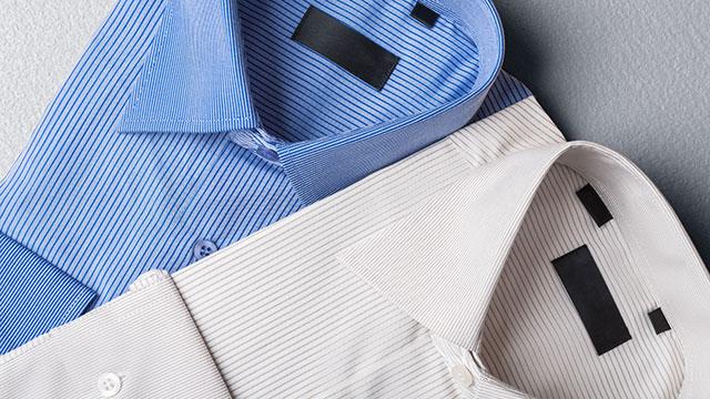 白シャツと色シャツ