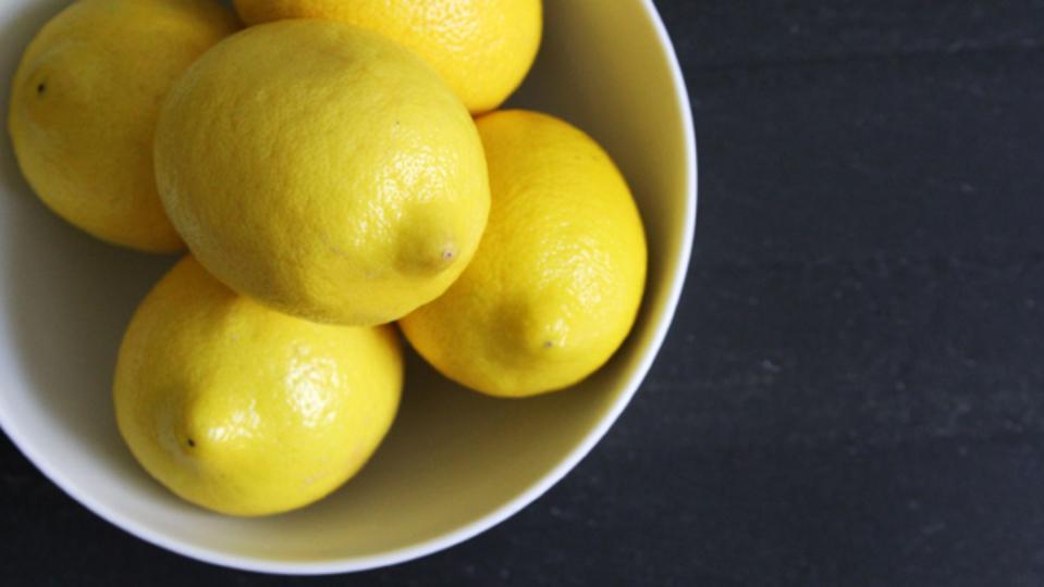今までより5割多くレモン汁を絞る方法は?
