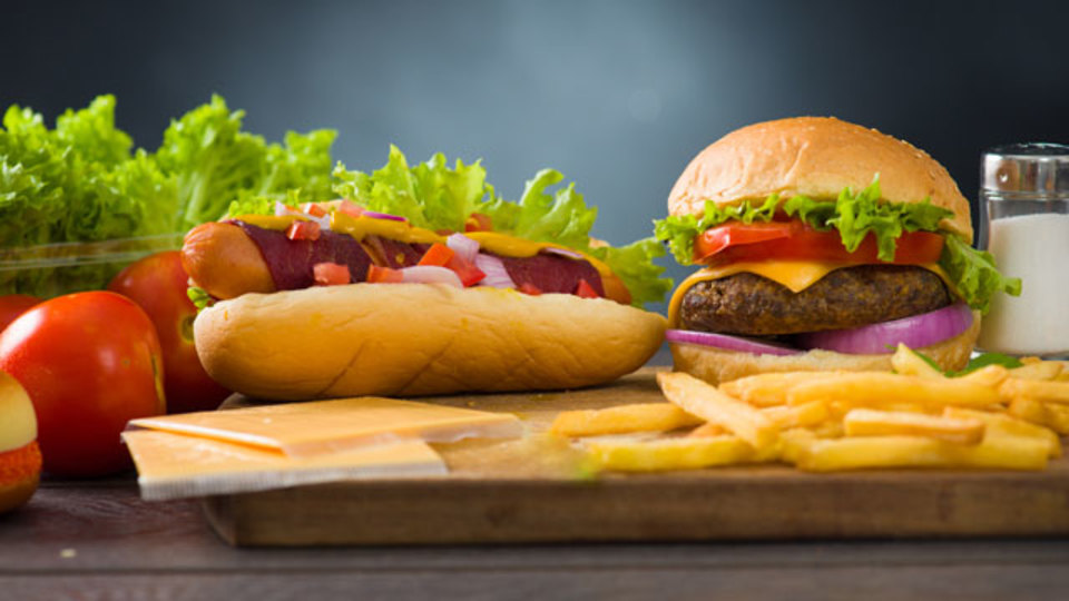 おいしいハンバーガーとホットドッグを作る秘訣トップ10