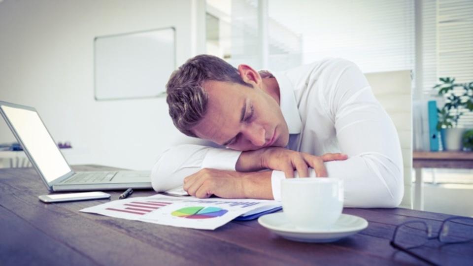 効率的な昼寝には「寝る前のカフェイン」
