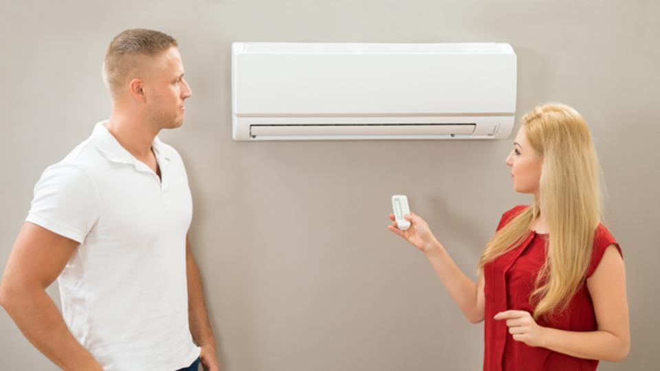 暑がり男と寒がり女のエアコン設定気温バトルに終わりはあるのか?