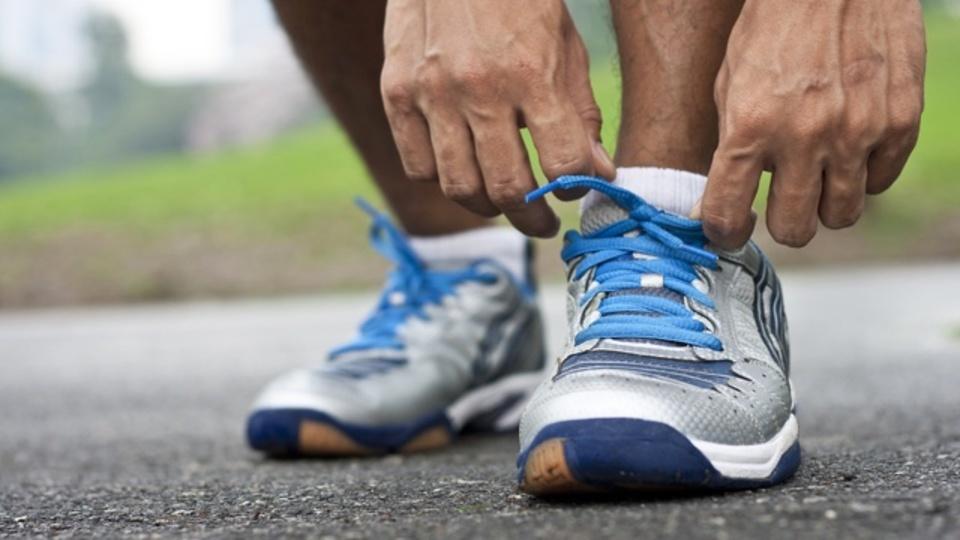 最良のシューズとは、最低限の筋肉を使って走ることのできる靴