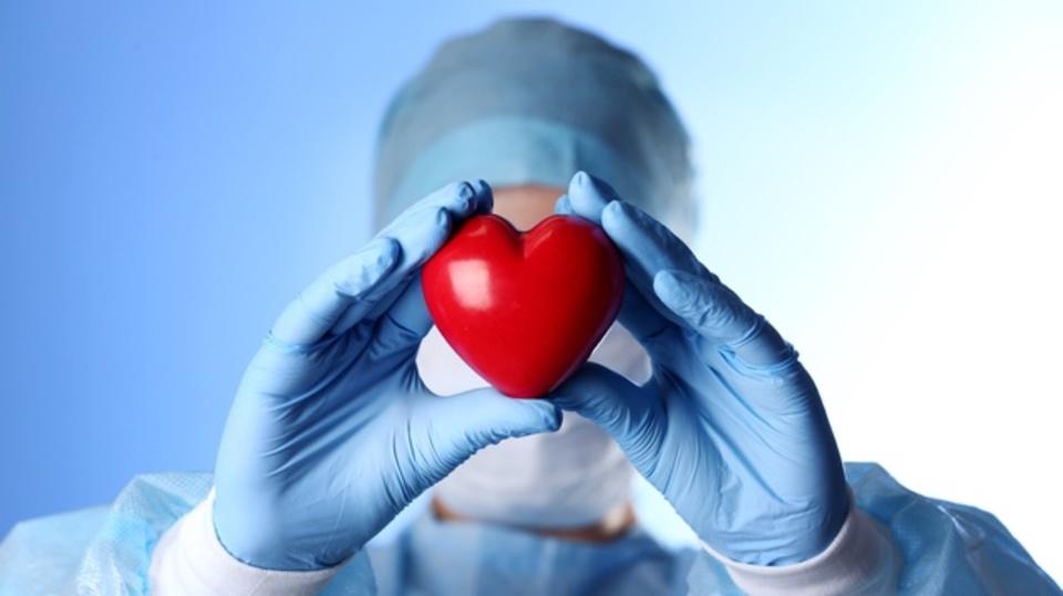 停止した心臓を移植用に蘇らせる装置