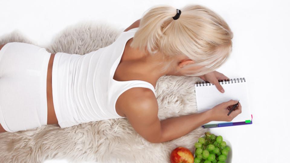 確実に体重を減らしたいなら「食事日記」をつけてみよう