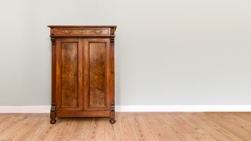 木製家具の傷はオリーブオイルとビネガーで直しましょう