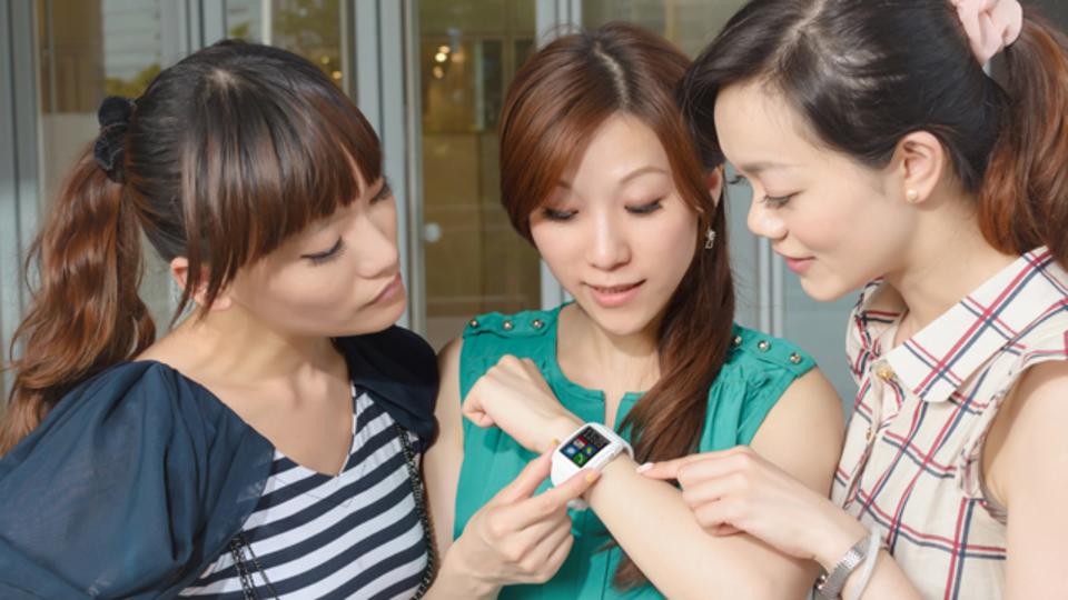 Android Wearが正式にiPhoneに対応。選べるスマートウォッチが一気に増えます
