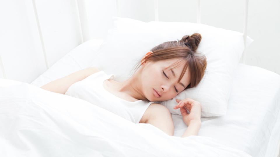 睡眠の質を上げる、暗闇との上手なつきあい方とは?