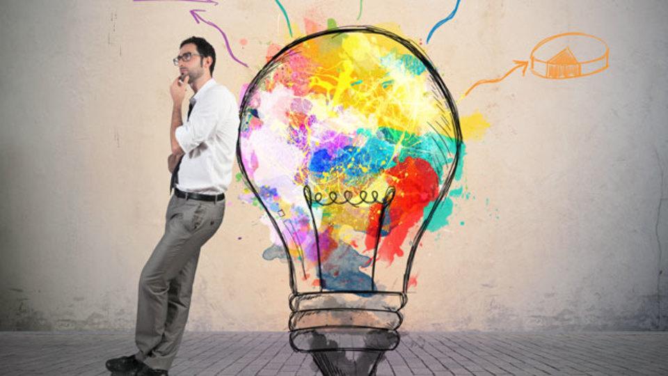 創造力を解き放つ7つの簡単なテクニック