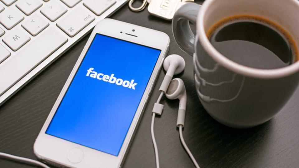 Facebook Messengerのテーマを黒背景に切り替えられる拡張機能「Facebook Messenger - Dark Theme」