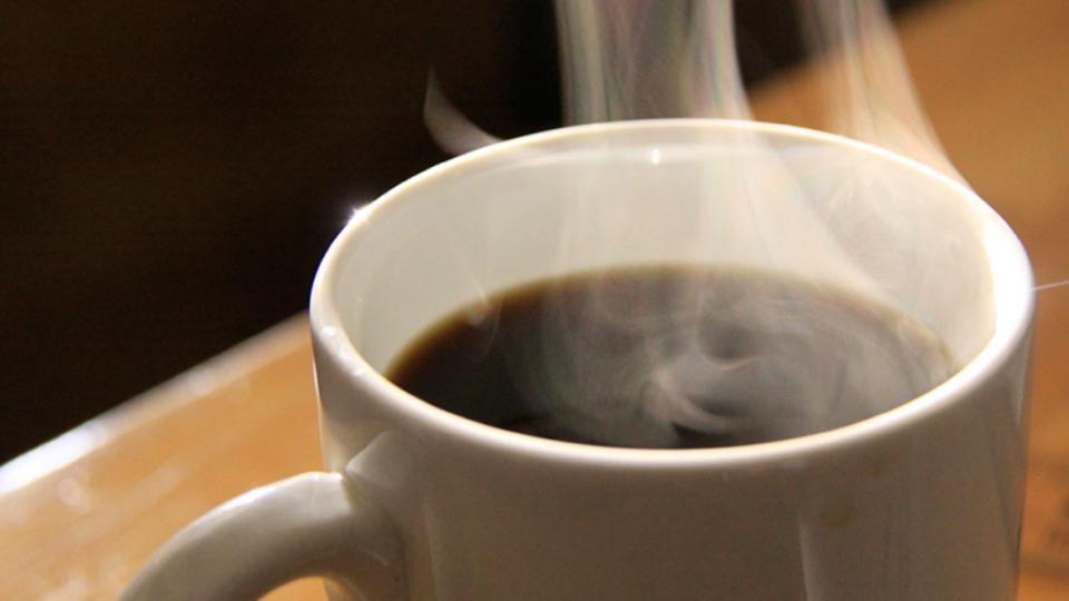 深煎りコーヒーの苦味を抑えるコツは抽出温度を低めに