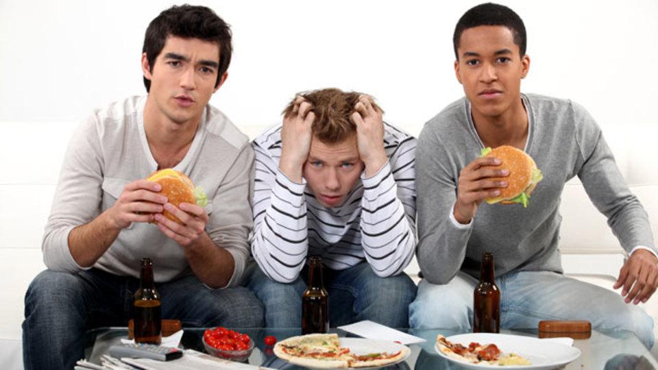 生産性を下げる有害な食習慣とその対策7つ