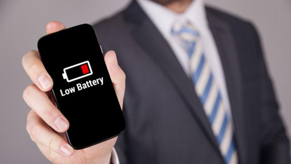 スマホのバッテリーを長持ちさせる技のウソ・ホント。5つの定説を検証