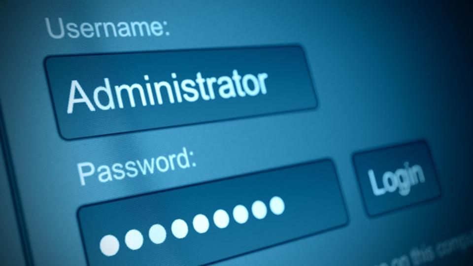 Windowsでシークレットの管理者アカウントをアンロックする方法