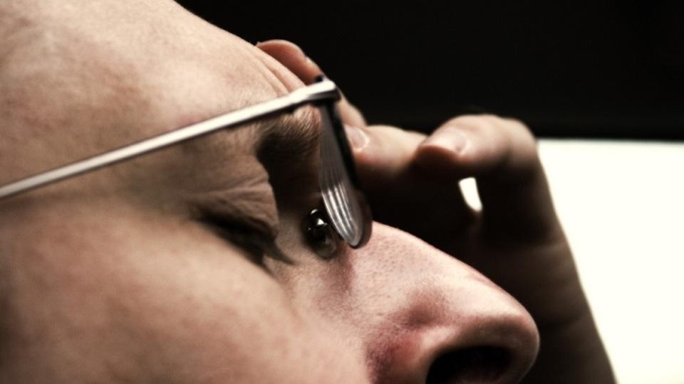 二日酔いで頭が痛いときは音楽が効果的:研究結果