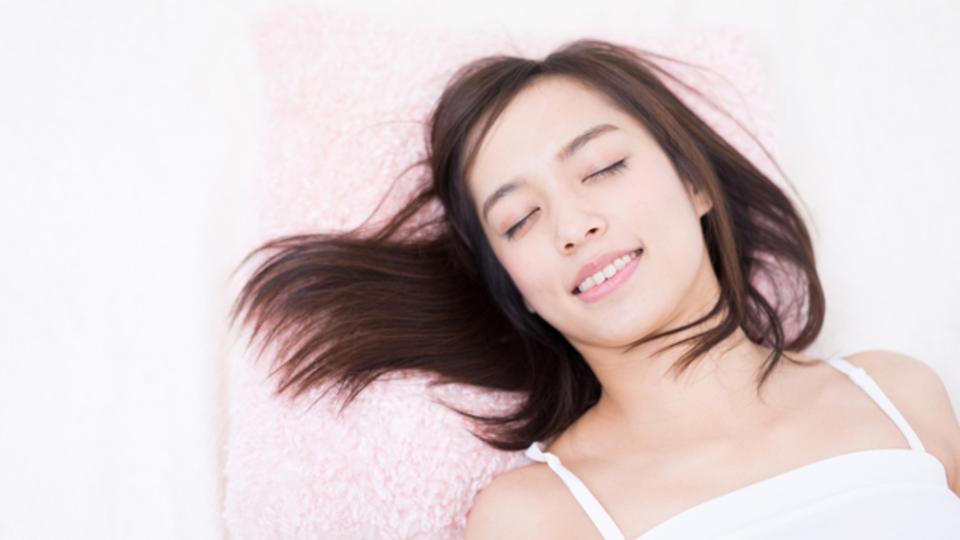 睡眠不足によって太りやすい体質になる?