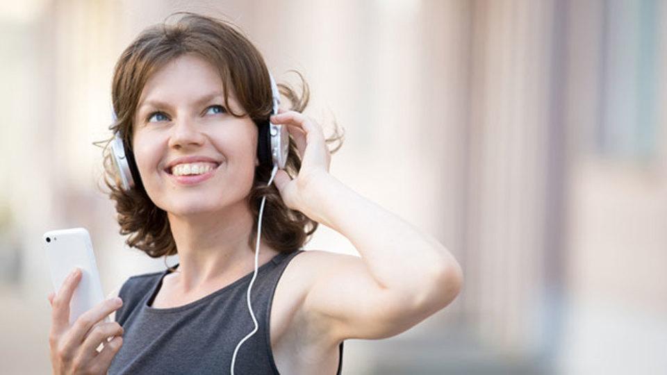 移動中でも読書はできる。オーディオブック聴き放題サービス【今日のライフハックツール】