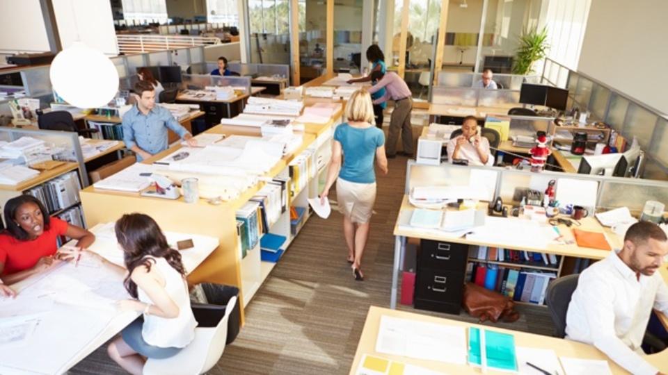 社員の76%は「オフィス以外のほうが生産性が上がる」と回答