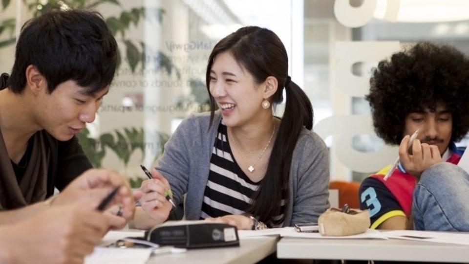 英語初心者におすすめ、フィリピン留学から欧米留学につなげる「2カ国留学」で効率的に実践的な英語力を身につけよう