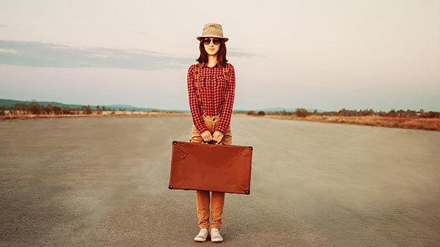 旅行かばん1つで暮らす、身軽なライフスタイル