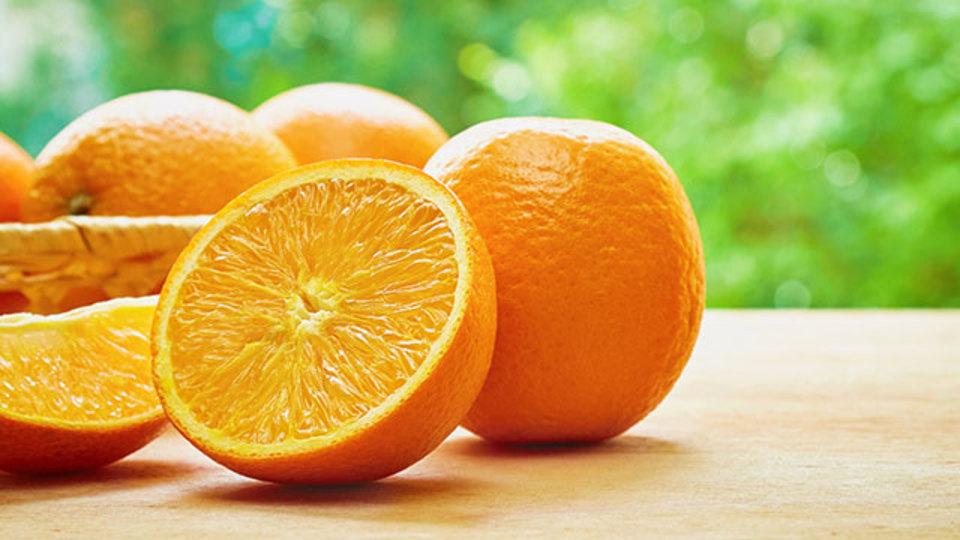 高級レストランのようなオレンジの盛り付け方
