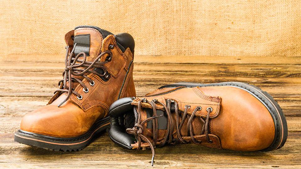 ブーツの臭いが気になる季節に使ってみたい『消臭スプレー』【今日のライフハックツール】