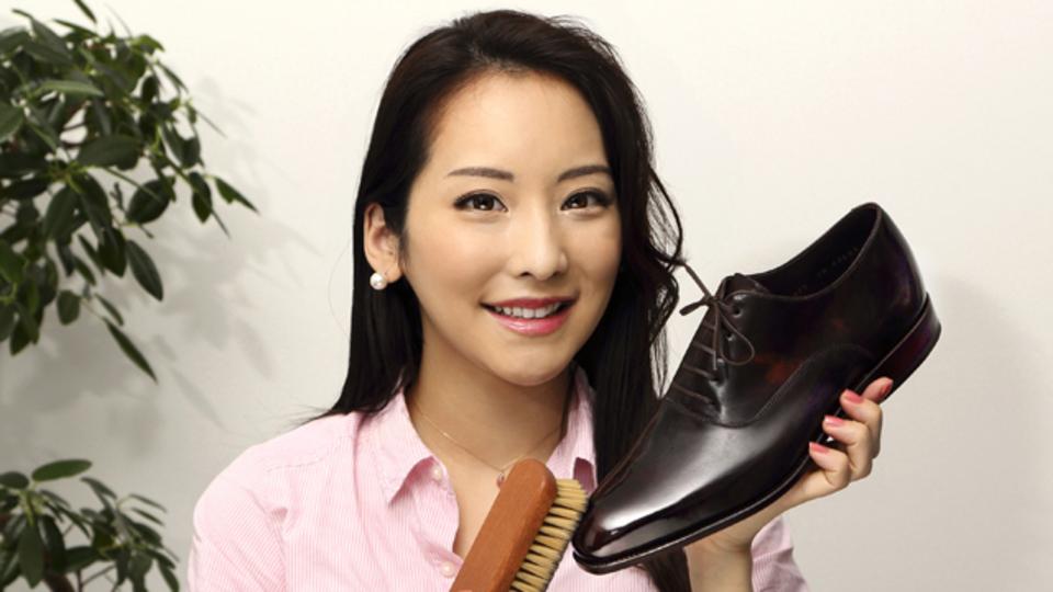 顔が映るほどのツヤ!? あなたの靴を憧れの「ミラーシャイン」にしちゃいましょう! ~美人すぎるメンズファッションライターが教えるシューズケアのコツ