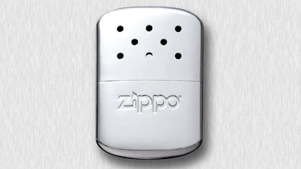 温かさ長持ち。ZIPPOブランドのオイル式カイロ【今日のライフハックツール】